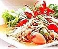 อาหารไทย : ส้มตำไทย (papaya salad)