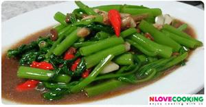 ผัดผักบุ้งไฟแดง อาหารไทย เมนูผัด ผัดผักบุ้ง