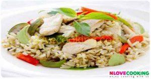 ข้าวผัดแกงเขียวหวาน ข้าวผัด อาหารไทย เมนูผัด