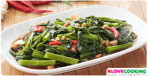 ผัดผักบุ้งไฟแดง อาหารไทย เมนูผัด อาหารจานเดียว