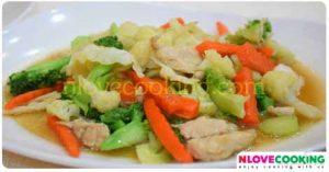 ผัดผักรวมมิตร เมนูผัด อาหารไทย วิธีทำผัดผัก
