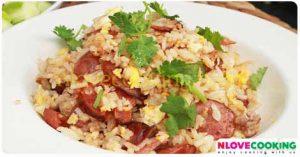 ข้าวผัดกุนเชียง อาหารไทย เมนูผัด อาหารจานเดียว