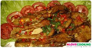 ปลาจะละเม็ดทอดราดพริก อาหารไทย เมนูปลา เมนูทอด