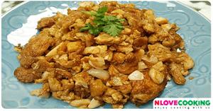 ไข่เจียวกระเทียมดอง อาหารไทย เมนูไข่ เมนูทอด
