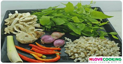 แกงผักหวานใส่ไขมดแดง อาหารไทย เมนูแกง เมนูผักหวาน