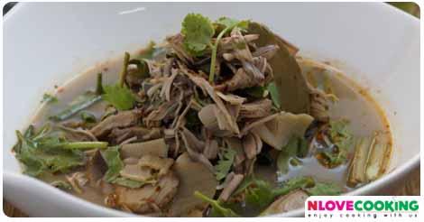ยำจิ้นไก่ แกงไก่ อาหารไทย อาหารเหนือ