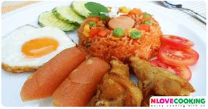 ข้าวผัดอเมริกัน อาหารไทย เมนูผัด อาหารจานเดียว