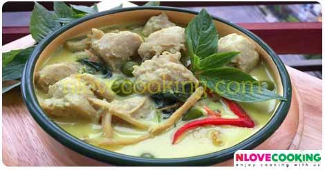 แกงเขียวหวานลูกชิ้นปลากราย อาหารไทย แกงเขียวหวาน เมนูแกง