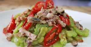 มะระผัดปลาเค็ม อาหารไทย เมนูผัด