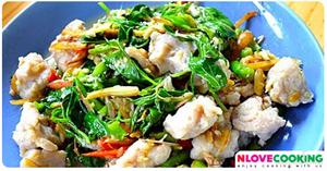ลูกชิ้นปลาผัดเผ็ด อาหารไทย เมนูผัด เมนูปลา