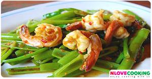 ผัดผักบุ้งกะปิกุ้งสด อาหารไทย เมนูผัด เมนูกุ้ง