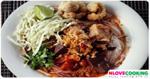 ขนมจีนน้ำเงี้ยว อาหารไทย อาหารเหนือ เมนูหมู