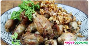 กบทอดกระเทียมพริกไทย อาหารไทย เมนูอาหาร เมนูทอด เมนูกบ
