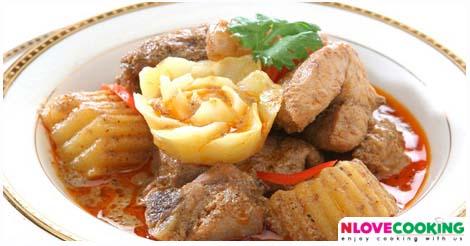 แกงมัสมั่น วิธีทำแกงมัสมั่น สูตรแกงมัสมั่น อาหารไทย