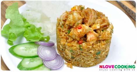 ข้าวผัดผงกะหรี่ ข้าวผัดผงกะหรี่ทะเล อาหารไทย อาหารจานเดียว