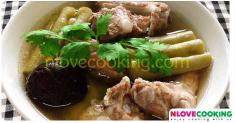 แกงจืดมะระซี่โครงหมู อาหารไทย เมนูหมู เมนูแกง