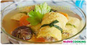 แกงจืดไข่ม้วน อาหารไทย เมนูแกง เมนูหมู