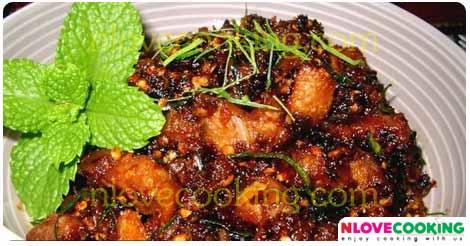 น้ำพริกหมูกรอบ อาหารไทย น้ำพริก เมนูหมูกรอบ