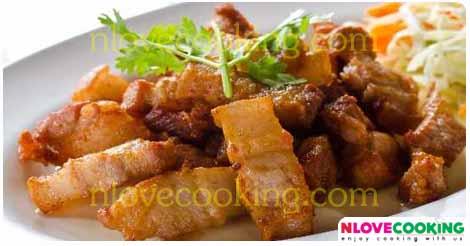 หมูสามชั้นทอดพริกแกง อาหารไทย เมนูทอด เมนูหมู