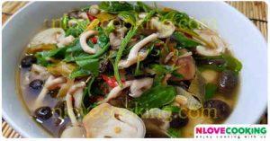 แกงเห็ดฟาง แกงเห็ดใส่ผักหวาน แกงอีสาน อาหารไทย