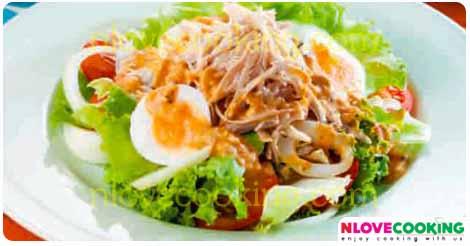 ยำอกไก่ สลัดไก่ อาหารไทย อาหารสุขภาพ