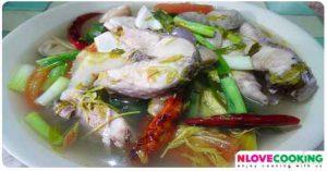 ต้มยำปลาช่อนใบมะขามอ่อน อาหารไทย เมนูแกง เมนูปลา