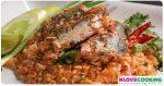 ข้าวผัดปลากระป๋อง อาหารไทย เมนูผัด